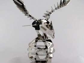 拼接组装的老鹰造型的不锈钢工艺品摆件