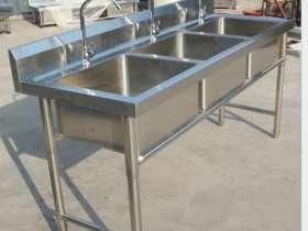 厨房常见的不锈钢水槽种类和尺寸