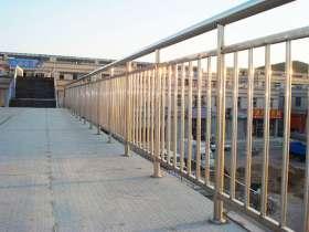 304不锈钢护栏多少钱一米?