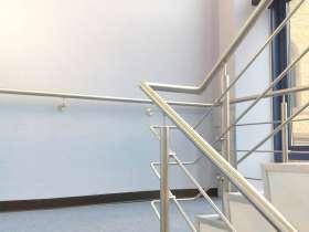 楼梯不锈钢扶手多少钱一米