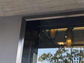 黑色不锈钢门框包边的做法