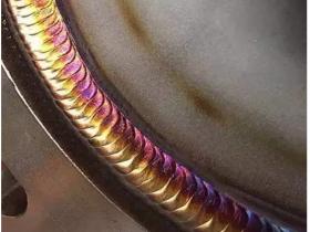 氩弧焊焊缝怎么能发亮显示不同的颜色