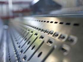 CNC加工与钣金加工的成本和质量比较